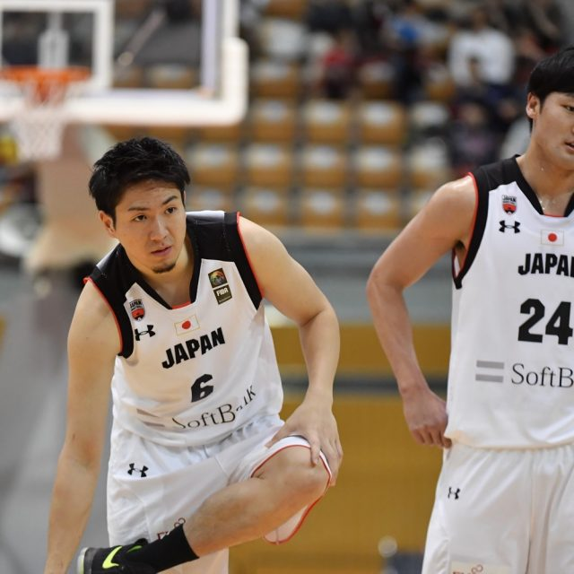 #6 比江島 慎選手(シーホース三河)と#24 田中 大貴選手(アルバルク東京)